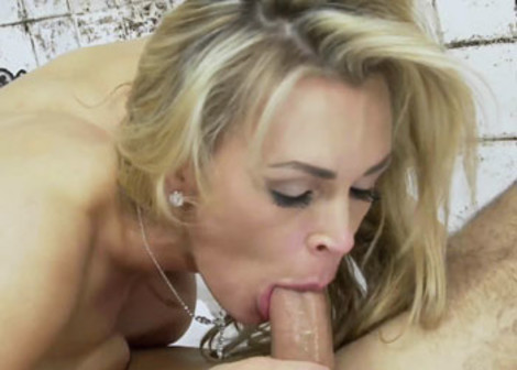 Tanya Tate gets a facial from a prisoner